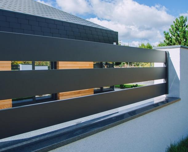 Moderne Zäune aus Aluminium